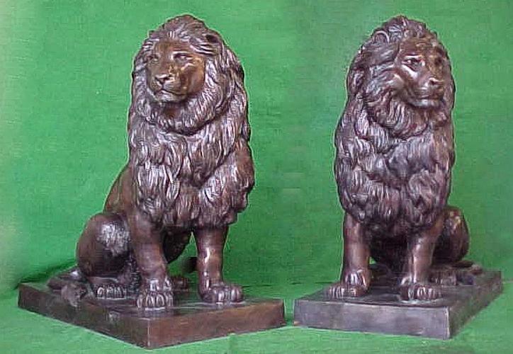 Bronze Lion Statues - PA A-1047