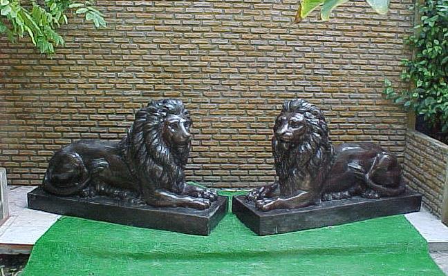 Bronze Lion Statues - PA A-1069