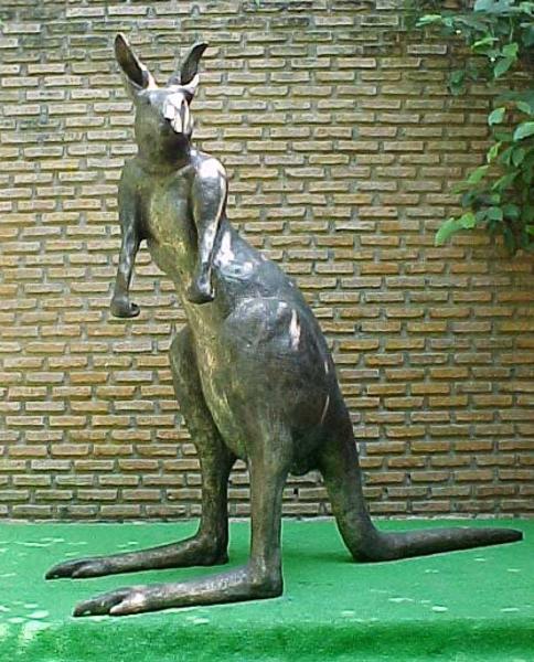 Bronze Kangaroo Statue - PA A-1148