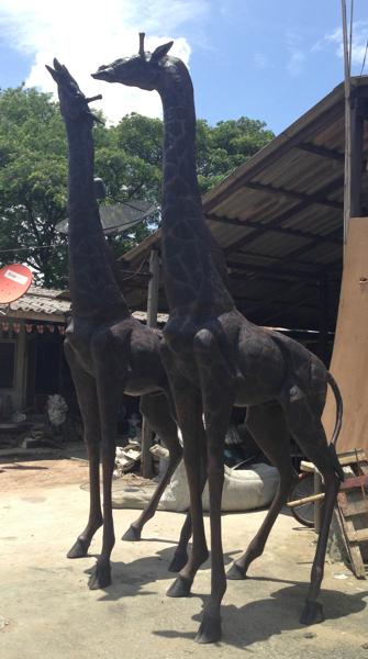 Bronze Giraffe Statues - DD A-271