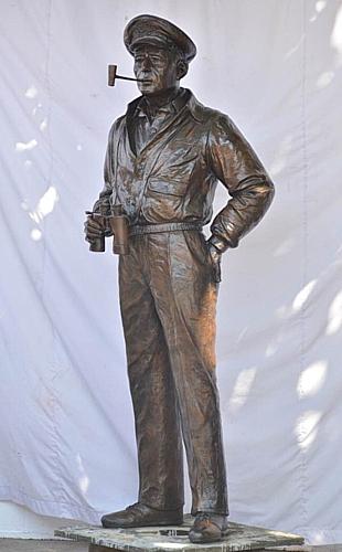 Bronze General Douglas MacArthur Statue - DD MIL-3